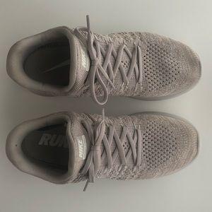 Nike Shoes - Nike Lunarepic Low Flyknit 2